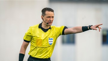 Futbola arbitri no Latvijas UEFA starptautisko tiesnešu kategoriju sarakstos