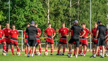 Latvijas U-17 izlase pulcējas uz treniņnometni