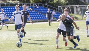 Rīgas futbola čempionāts sasniedz pusceļu