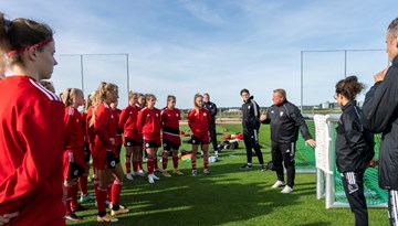 Foto: Dāmu izlases pirmais treniņš Kvačova vadībā