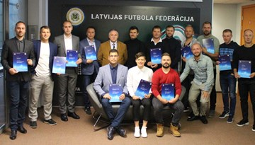 A-UEFA licenci saņem 20 treneri